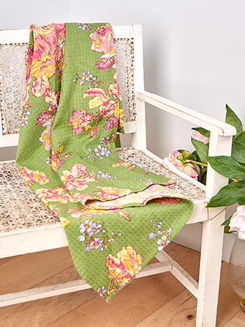 Victorian Rose Honeycomb Beach Towel