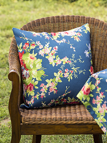 Cottage Rose Outdoor Cushion with Filler