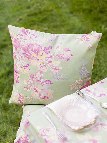 Victorian Rose Outdoor Cushion with Filler