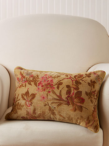 Bramble Velvet Cushion