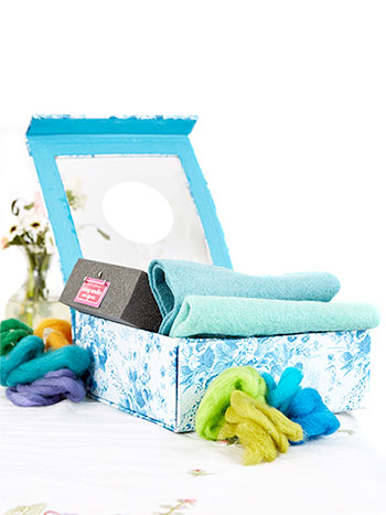 Sea Rose Felting Kit