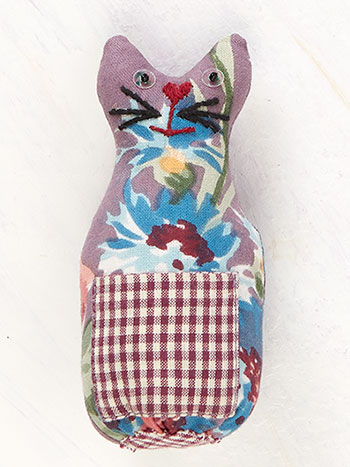 Cottage Rose Cat Pin Cushion