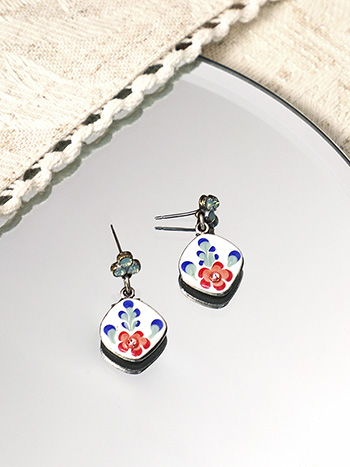Rosebud Post Earrings