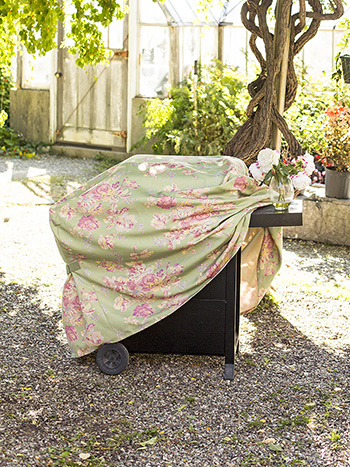 Victorian Rose Outdoor Grill Cover