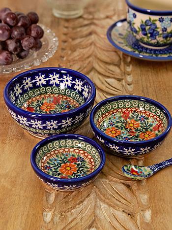 Marigold Nesting Bowls Set of 3