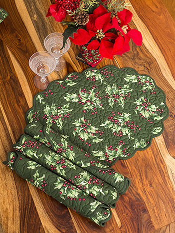 Holly Quilted Mat Set of 4