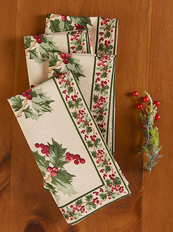 Holly Berry Napkin Set of 4