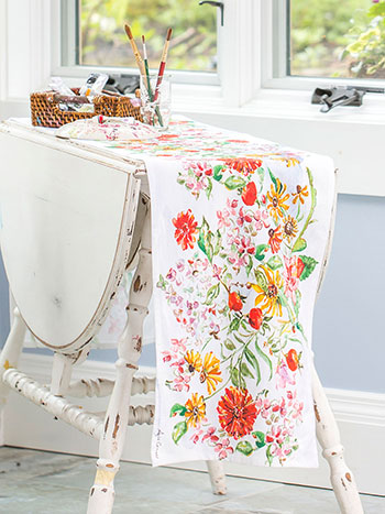 Zinnia Bouquet Table Runner