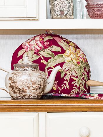 Cranberry Cocktail Patchwork Tea Cozy