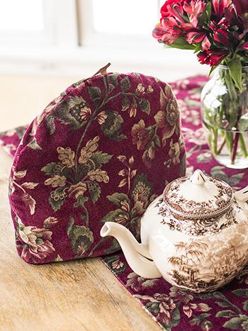 Concerto Velvet Tea Cozy