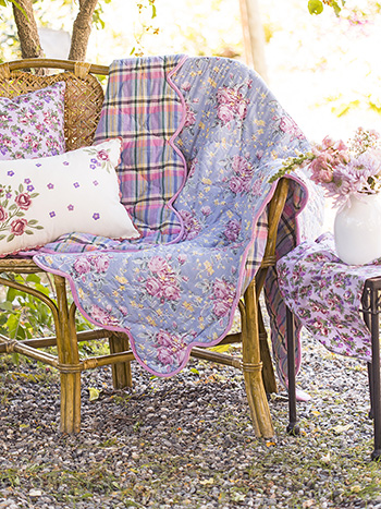 Viola Rose Throw