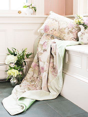 Tea Garden Velvet Throw