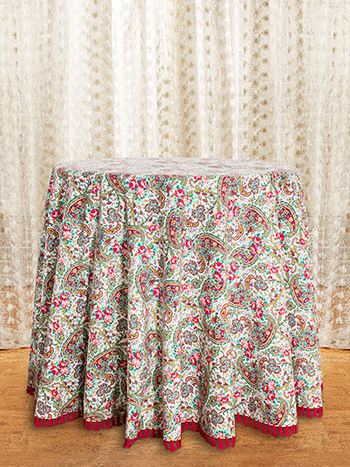Garden Paisley Crochet Round Tablecloth