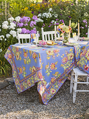 Dahlia Days Tablecloth
