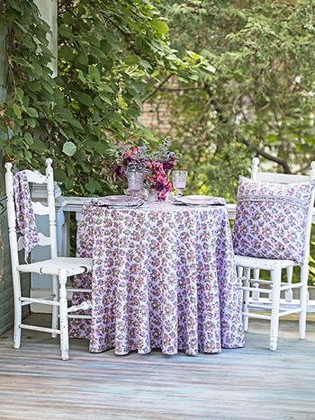 Elizabeth's Garden Round Cloth