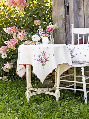 Tea Rose Embroidery Tablecloth