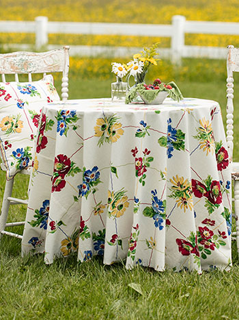 Poppy Patch Round Cloth