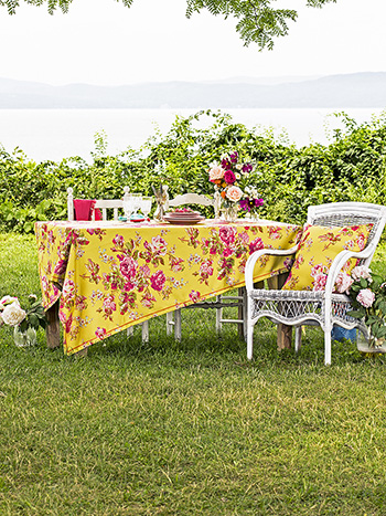 Victorian Rose Outdoor Tablecloth