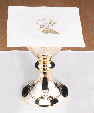 Chalice with Wheat Mass Linens Pall w/ insert, Poly/Cotton Blend