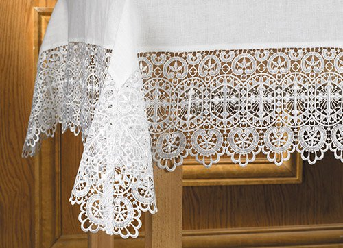 "Budded Cross Lace 7""H"