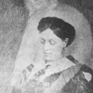 Alleged 1911 spirit photograph of Emma Hardinge Britten taken by William H. Mumler. Source: Wikimedia Commons
