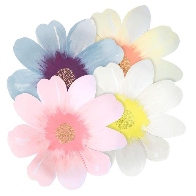 Flower Shaped Large Paper Plates 11390