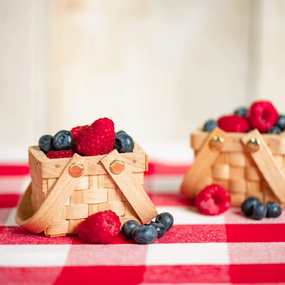 Mini Woven Picnic Baskets baby-q