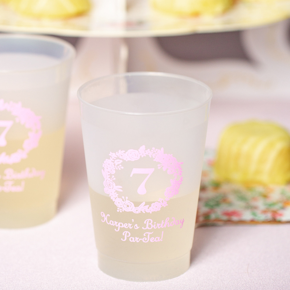 Personalized Birthday Wreath Frosted Plastic Birthday Cups