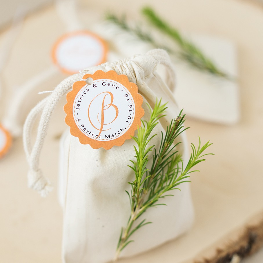 Personalized Scalloped Wedding Gift Tags 4032