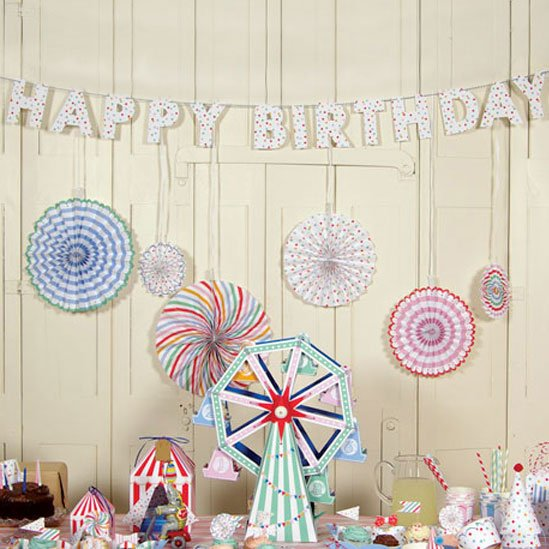 Toot Sweet Spotty Party Garland 6278