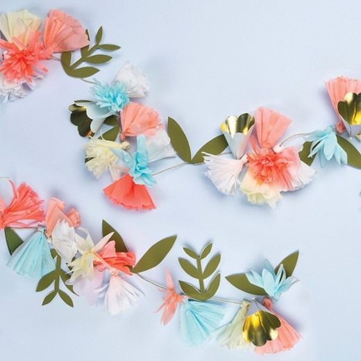 Floral Bouquet Garland 8773