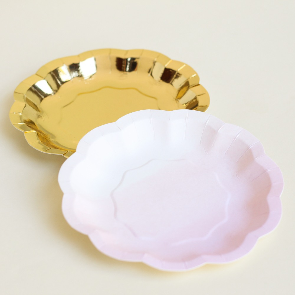 We Heart Pink Paper Plates 9294