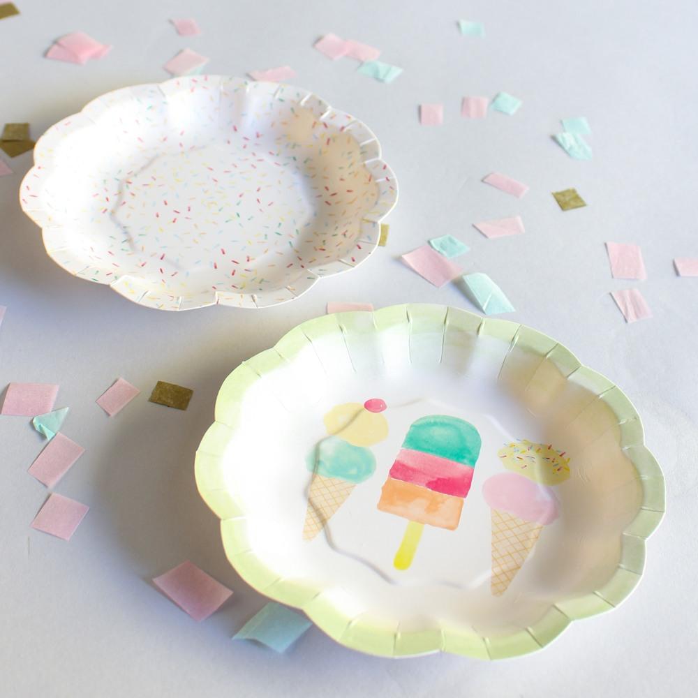 Scalloped Edge Ice Cream Plate 9989
