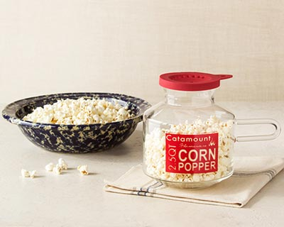 Rimmed Bowl & Corn Popper Set