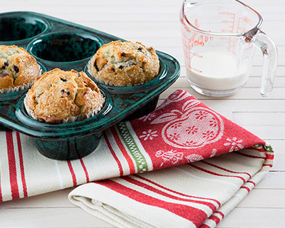 Muffin Pan with FREE Cotton AppleTowel for limited time only