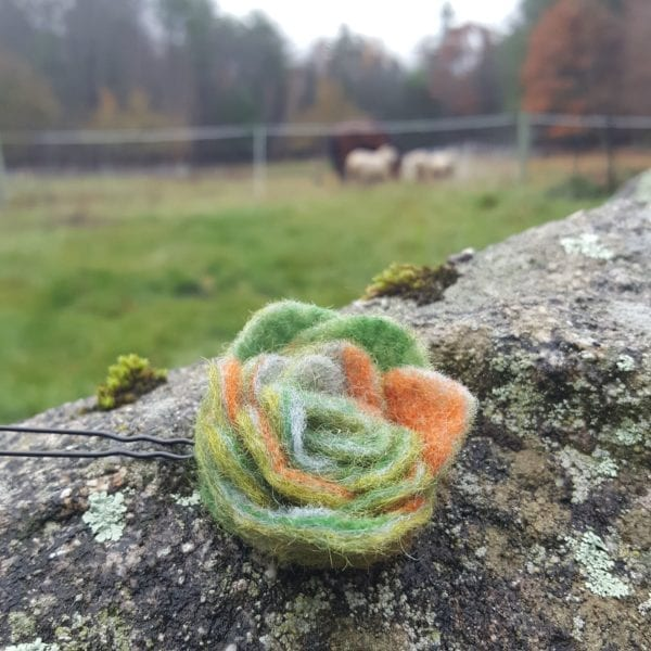 Wet Felted Flower Hairpins of Lichendia Kineo Line by Hillary Dow