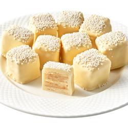 Wedding Cake Petits Fours
