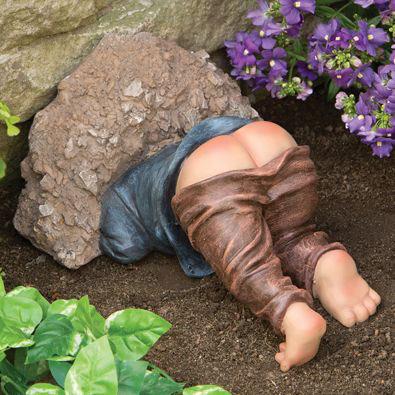 Little Digger Garden Statue