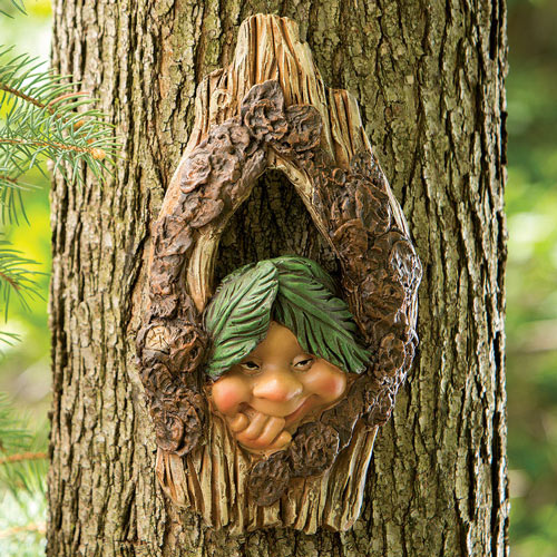 Elf Knothole Tree Hanger