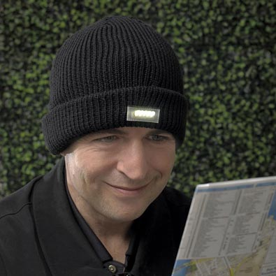 Knit Hat With LED Light -Black