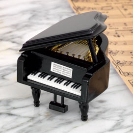 Grand Piano Music Box - Over The Rainbows