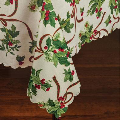147cm x 353cm Holly Tablecloth