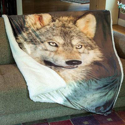 Super Soft Plush Wolf Throw Blanket