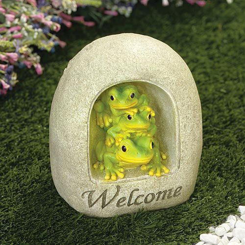 Three Frogs Welcome