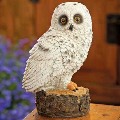 Stunning Snowy Owl Sculpture