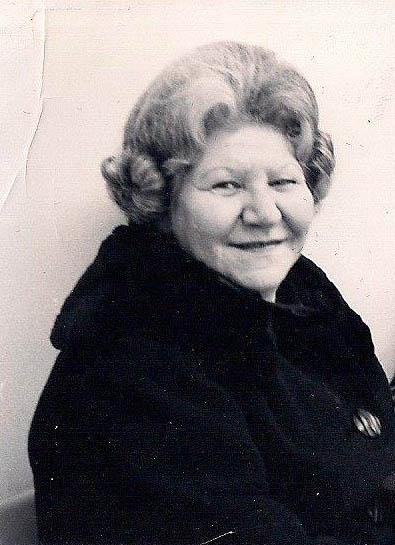 Nana Cluck