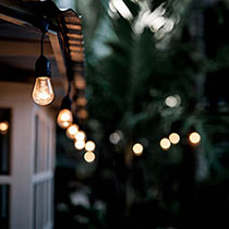 Outdoor Light Strand With Hanging Socket