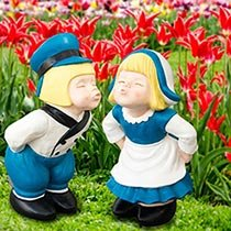 Kissing Dutch Couple Statues