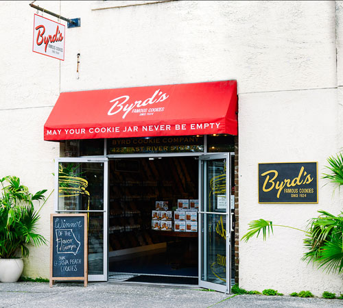 Byrd's Famous Cookies on River Street Entrance