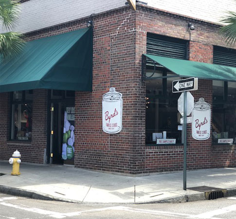 Byrd's Famous Cookies Near City Market in Charleston